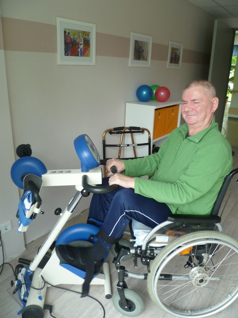 Professor Mang eröffnet Psychosomatische Klinik im Schloss Altenburg
